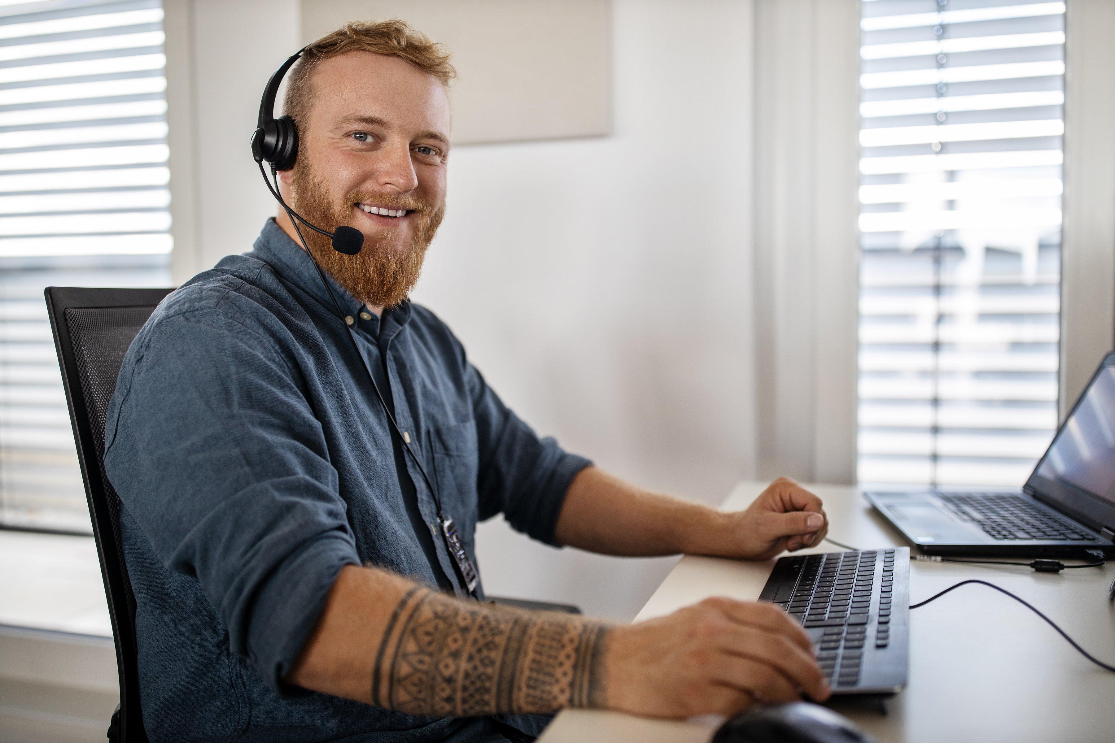 Remote_Call_Center_Man